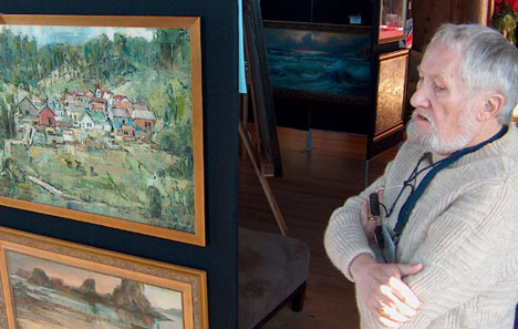 Philip Meador at a 2006 exhibition of his father's work at the Bodega Harbour Yacht Club