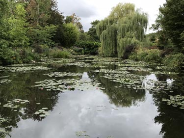Photo of the Lily Pond at Giverny