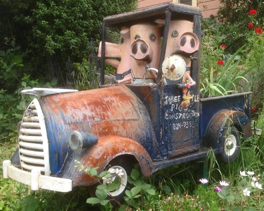 Patrick Amiot Three Little Pigs Construction