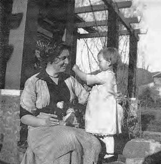 Grace Allison Griffith with her Niece, Nell's Daughter